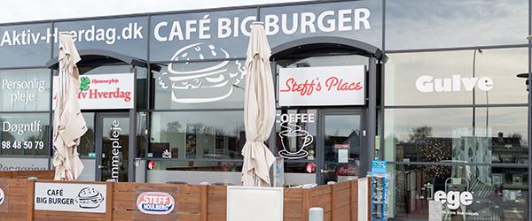 Igen i år deltager Café Big Burger i DM i Hotdogspisning