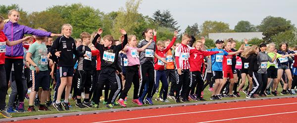 Borgmester Birgit Hansen bød velkommen til Skole OL i Sæby
