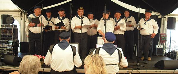 Skagen Viseklub på besøg hos Sæby Ældrecenter