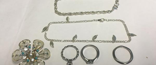 Rette ejer søges til disse smykker…