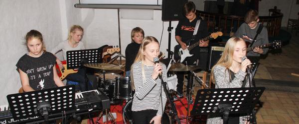 Ungdommelig toner i Badskær Kirke