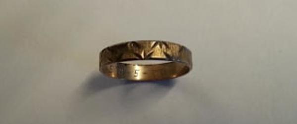 Politiet efterlyser ejere til<br> smykker – ringe og halskæde