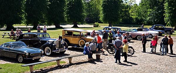 Nordjysk Vintage Motor Klub besøgte Voregård Slot