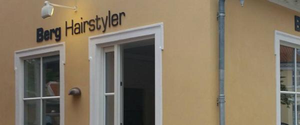 Berg Hairstyler i Sæby<br> fik stjålet alle saksene