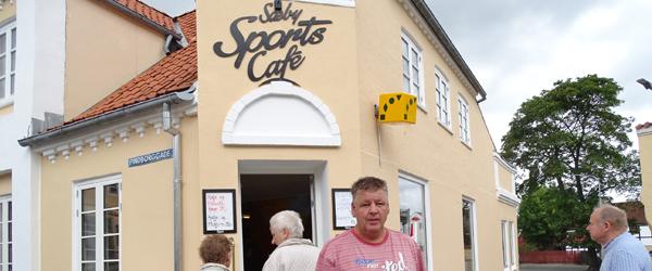Sæby Sports Café byder<br> på gratis fadøl og pølser