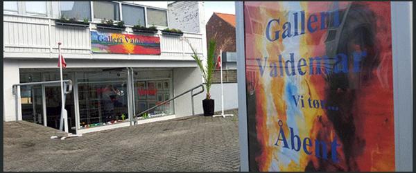 Vinsmagning og nye kunstnere<br> på Galleri Valdemar i sæby