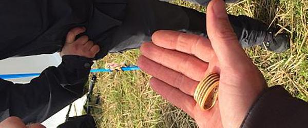 Amatørarkæolog fra Sæby fik<br> guldring ved detektor-rally