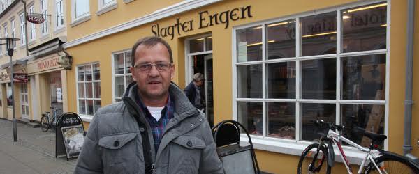Far og søn flytter til Sæby<br> og åbner ny slagterbutik