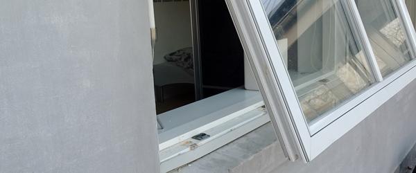 Det værste er, at tyven har<br> været inde i vores hus…
