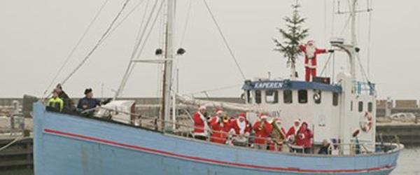 Julebåden med julemanden kommer til Sæby søndag