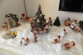 Hejsa Mit bud på et jule foto. Min datter laver hvert år et fint lille nisselandskab, inde på hendes værelse og det er altid så hyggeligt, at komme ind og se når hun har lavet det færdigt. Jule hilsner fra Dorte Tunsted, Sæby