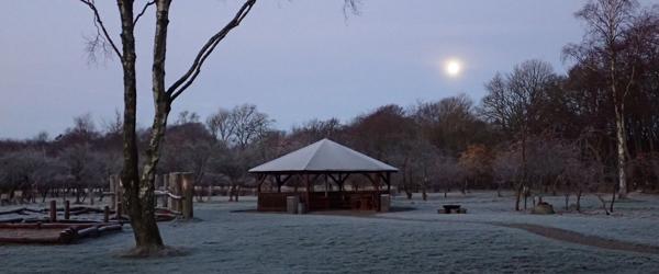 Nellemanns Have en smuk<br> morgen i fuldmånens skær