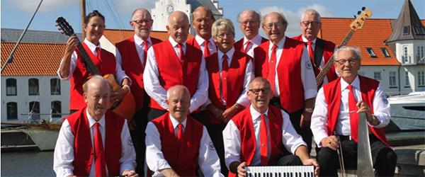 Nye uniformer til Volstrup Harmonikaklub