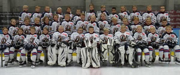 Vil du spille ishockey med en ægte White Hawks