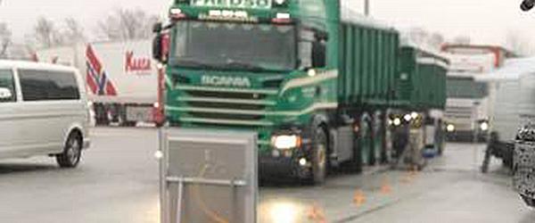 Politiet laver kontrol af lastbiler og dyretransporter
