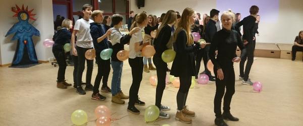 Festligt, forrygende fællesskab til årets skolefest