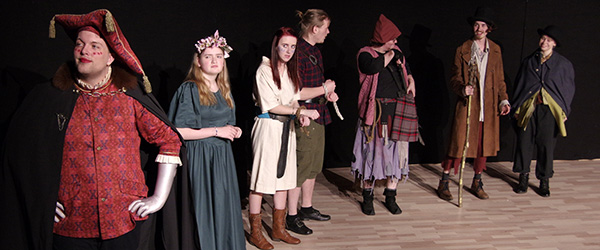 Unge skuespillere klar til premiere på Ødeheksen
