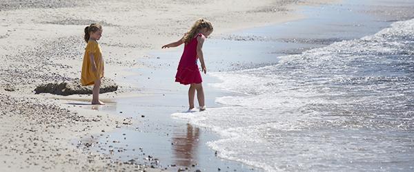 Børn_på_strand_6157_600x250