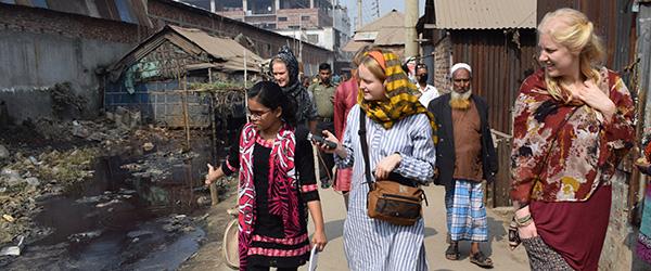 Bangladesh Sebrina, Esther og Charlotte kopier