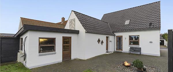 Skønt og indflytningsklart byhus i Sæby centrum