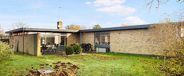 NYHED: Minimalistisk arkitekttegnet villa fra 60'erne