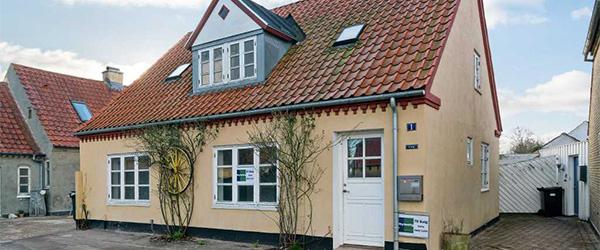 Nybolig Sæby: Flot villa i Sæby´s gamle bydel