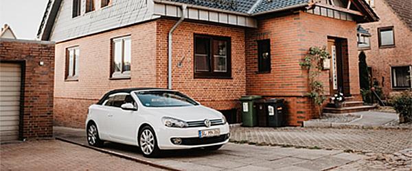 Ny stor vækst i antallet af biler i indkørslerne hos danske familier