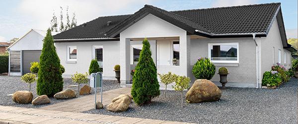 Stor velholdt villa bygget i kvalitetsmaterialer