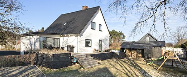 EDC Lars Jensen: Stilig og indflytningsklar villa på lukket vej i Sæby