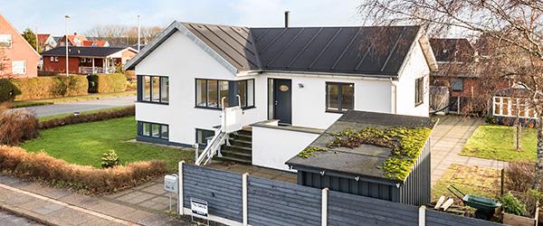 Spændende indflytningsklar villa i hjertet af Sæby