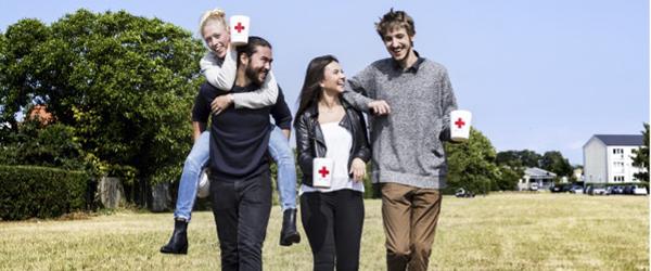 Røde Kors opfordrer gymnasieelever til at samle ind til udsatte i Danmark